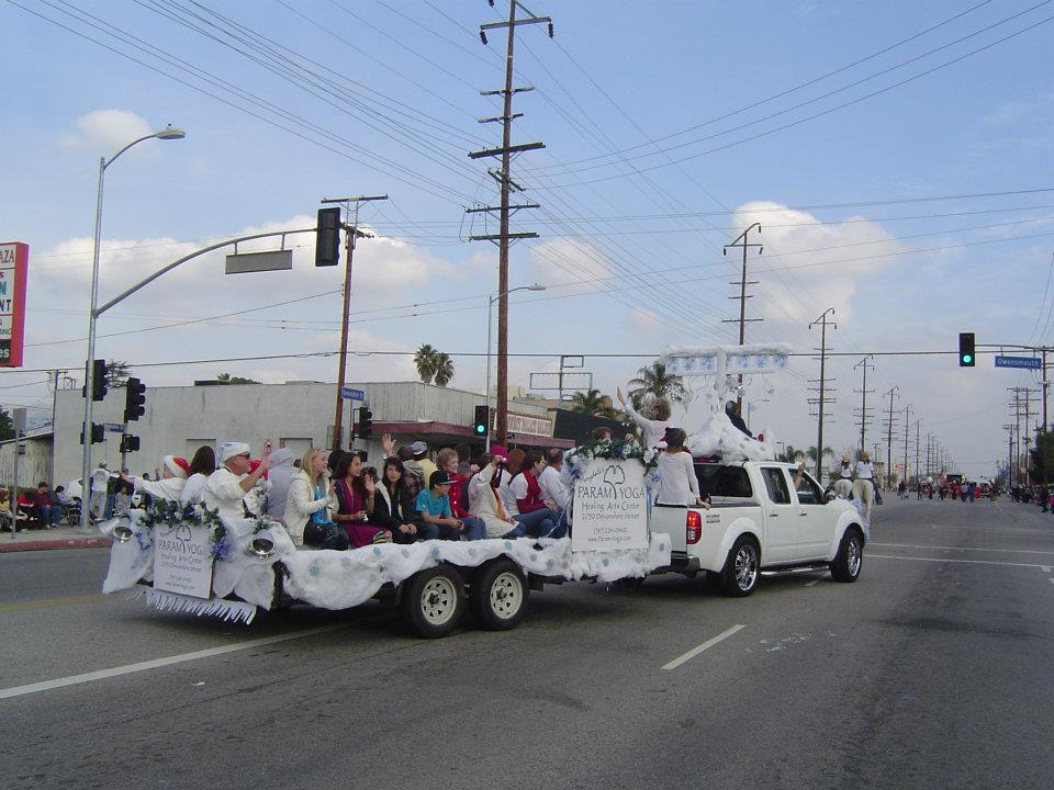 snowflake parade floats.